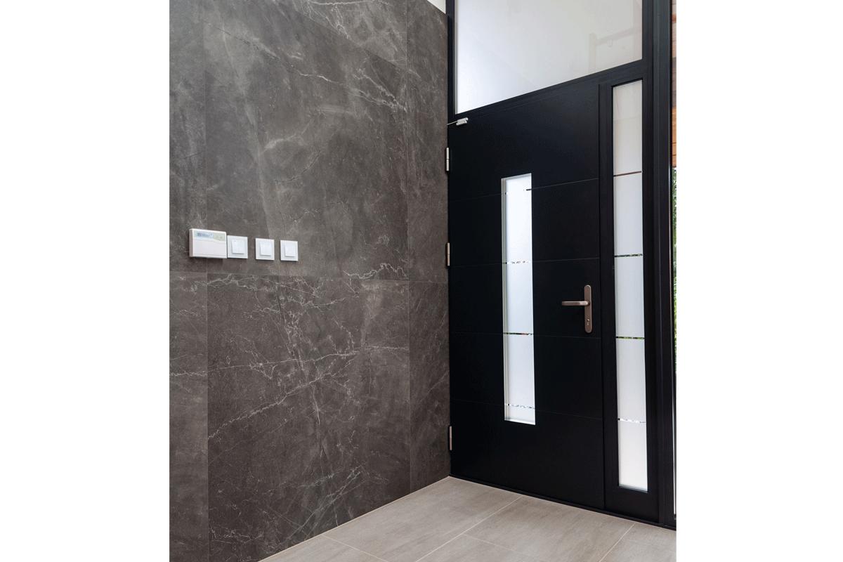Aluminium entrance door 6